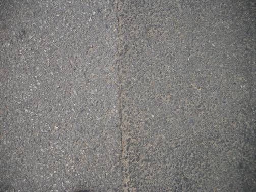 新建沥青混凝土路面结构层;
